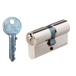 Со обичен клуч